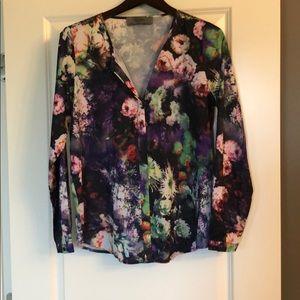 Wells grace floral blouse size Large.  NWOT